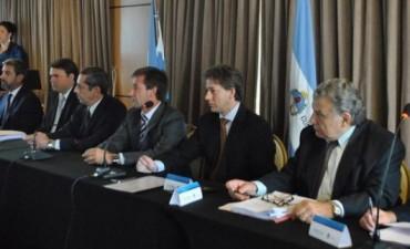 El debate fiscal hizo base en Corrientes