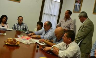 """Colombi bajó línea a los intendentes radicales y reclamó """"previsibilidad"""""""