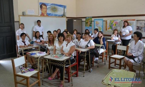 En un año el piso salarial de docentes correntinos creció más de un tercio