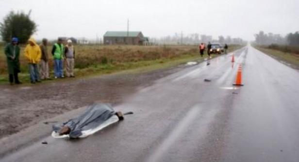 Chica de 15 años murió atropellada por un auto al bajar de un colectivo