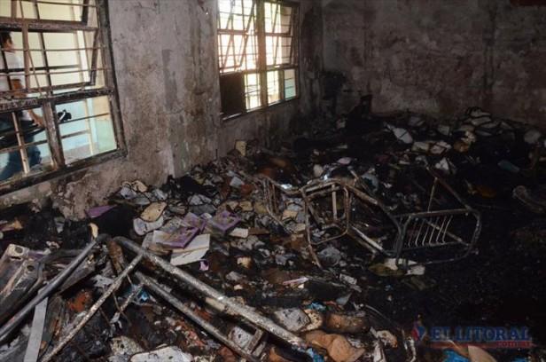 El colegio Niveyro perdió la totalidad del material didáctico en el siniestro