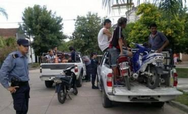Demoraron a 12 personas y secuestraron 8 motocicletas