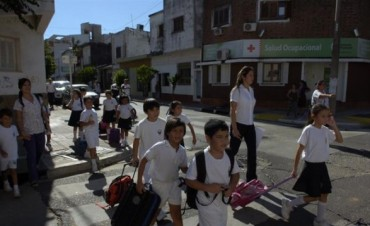Suspenden clases en dos escuelas por problemas eléctricos y en la Belgrano volvió el agua potable