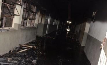 Alumnos del Piragine Niveyro no tendrán clases esta semana y estiman que serán trasladados