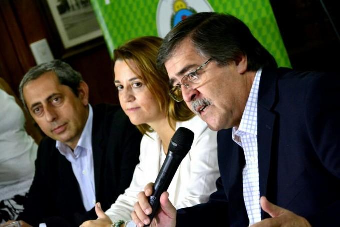 Provincia anunció recomposición del 31% y blanqueos en tres etapas