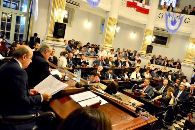 Colombi destacó perfil financiero de Provincia y relación con Nación