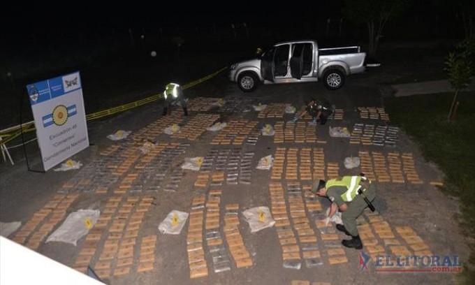 Hallan más de media tonelada de droga en una camioneta robada en Resistencia