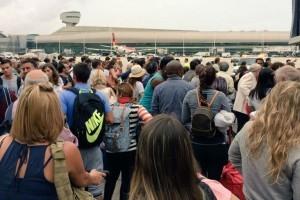 Evacuaron terminal del aeropuerto de Miami por falsa alarma de bomba