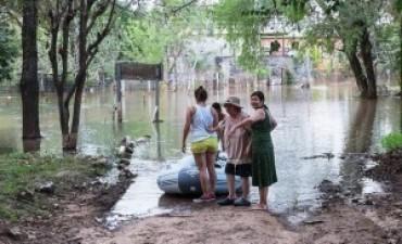 Se suman otras 15 familias a las evacuadas en Capital