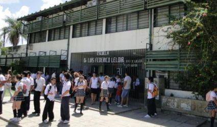 La Provincia aplicará descuentos a docentes que adhieran al paro nacional