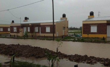 Reclaman por obras de desagües en un barrio de La Cruz