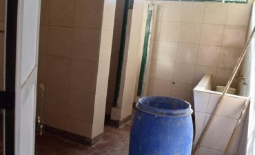 Por falta de agua potable en la Escuela Madariaga tienen dos horas de clase por día