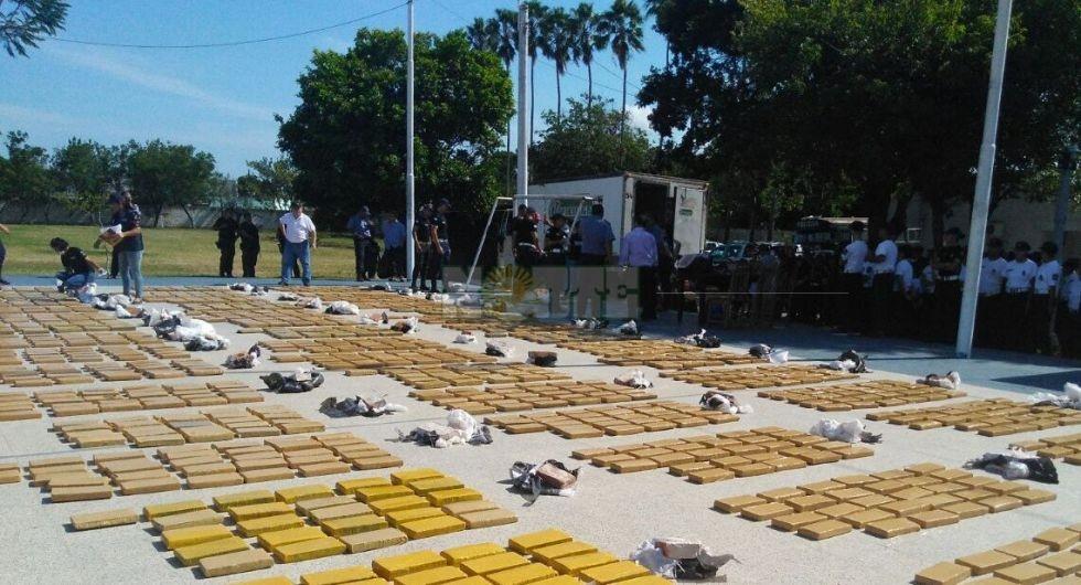 Incautaron más de dos toneladas de marihuana en un garaje de la Capital