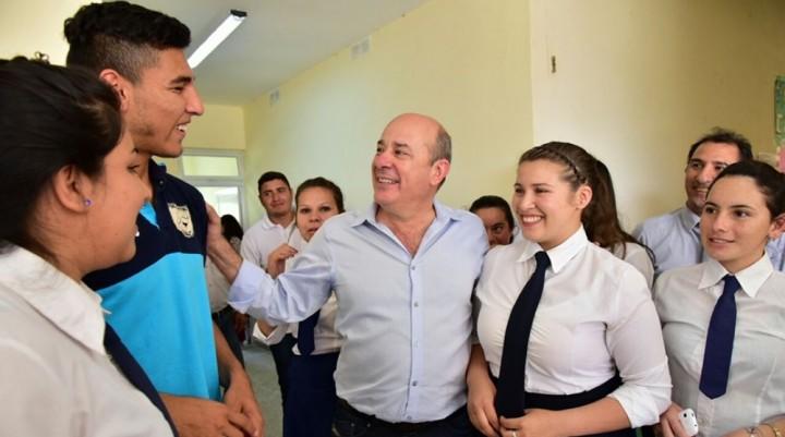Destacan el esfuerzo del gobierno y de los docentes correntinos