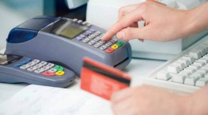 Sin efectivo, ni saldo en las tarjetas, las ventas en las Pymes siguen en descenso
