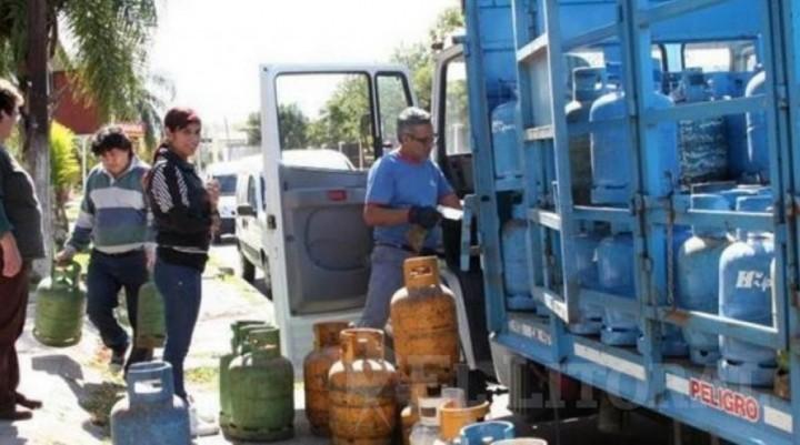Aranguren anunció que el aumento de gas en garrafa será del 16,75%