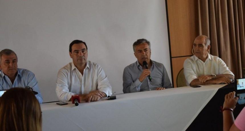 Tras la cumbre, radicales reclamaron al Gobierno de Macri por una nueva agenda económica