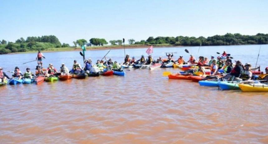 Remeros unieron Yapeyú con Paso de los Libres en homenaje a San Martín