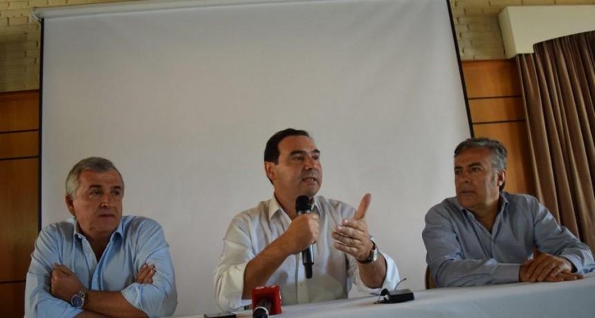"""Valdés: """"Vamos a hacer un esfuerzo para que todos los estatales tengan un aumento"""""""