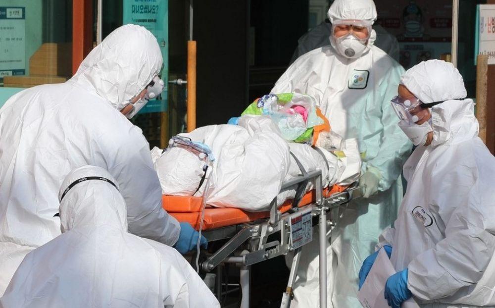 Récord de muertes en Italia por coronavirus: 475 víctimas en un día