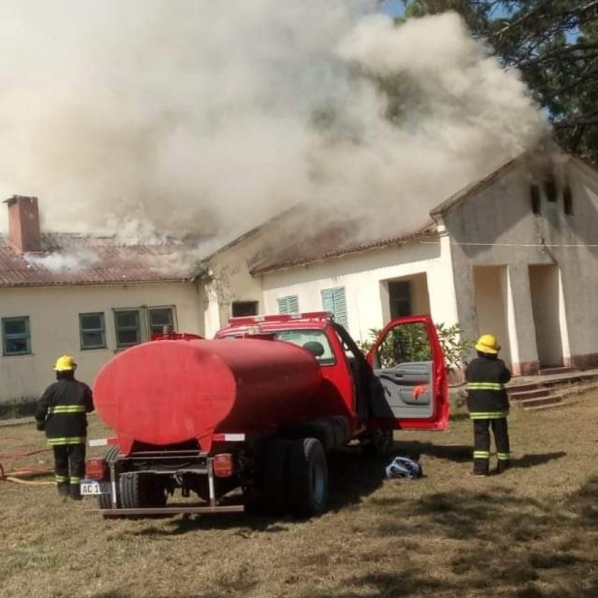 Incendio causó destrozos en una escuela del Paraje Parada Coco
