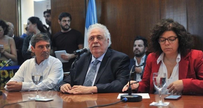 """Ginés González García, sobre la decisión de no suspender las clases: """"Puede cambiar mañana porque hay que actuar a la velocidad del virus"""""""