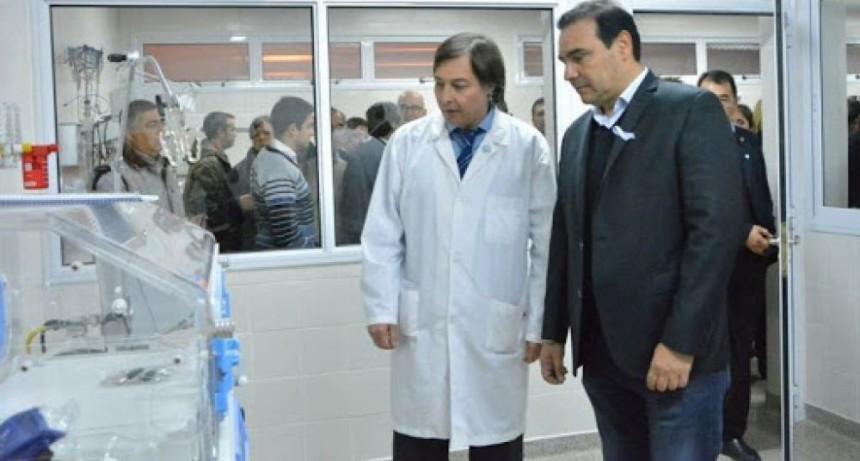 Valdés confirmó que firmaron decreto de bono extraordinario para trabajadores de la salud