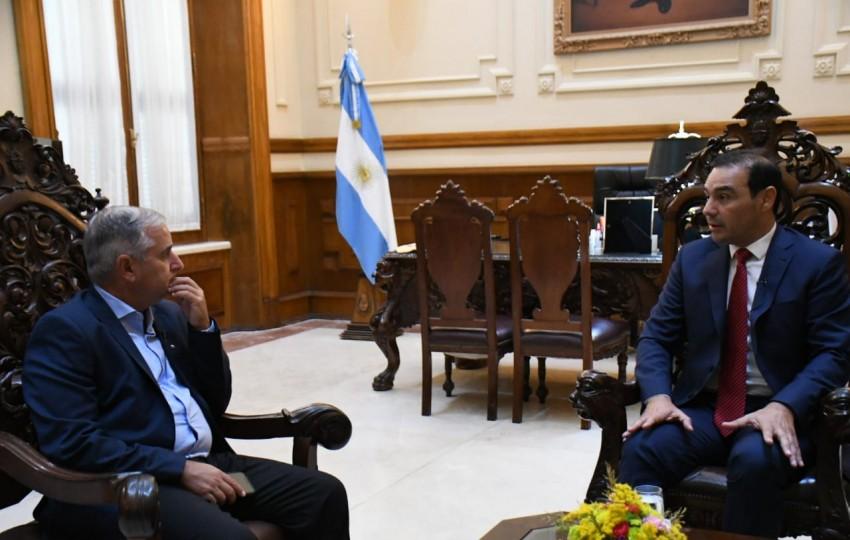 """Gustavo Valdés subrayó que """"Corrientes tendrá un criterio propio para vacunar a los docentes"""""""