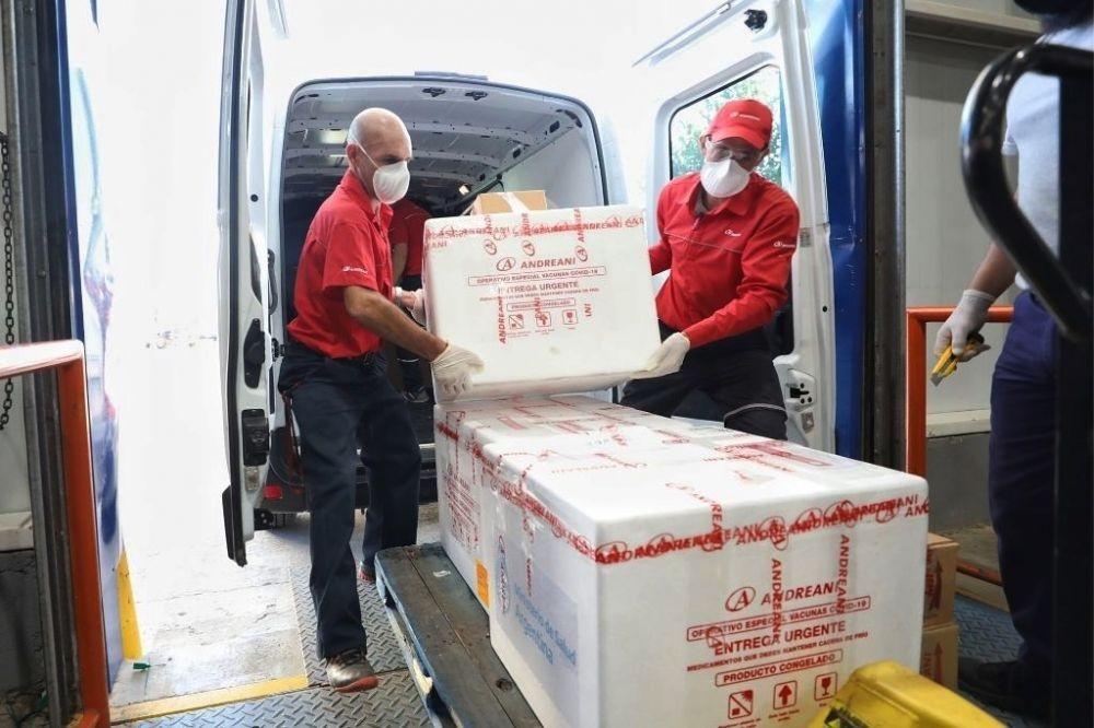 Llegaron más de 9 mil dosis de la vacuna Sinopharm