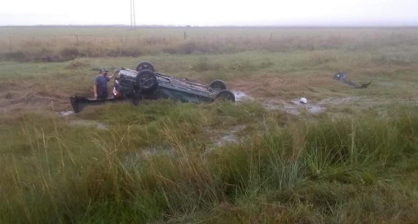 Misterio: Por Ruta 14, hallaron un auto volcado y desaparecieron sus ocupantes