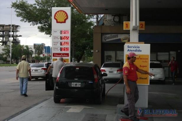 Un aumento acordado: a partir de hoy los combustibles costarán un 5% más