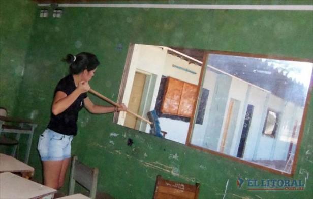En varias localidades, jóvenes dedicaron el fin de semana a pintar escuelas