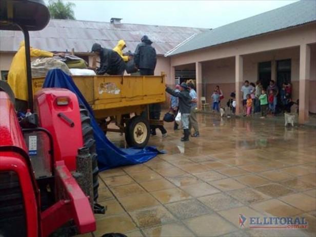 En San Luis, aún hay 17 familias evacuadas en la Escuela 812