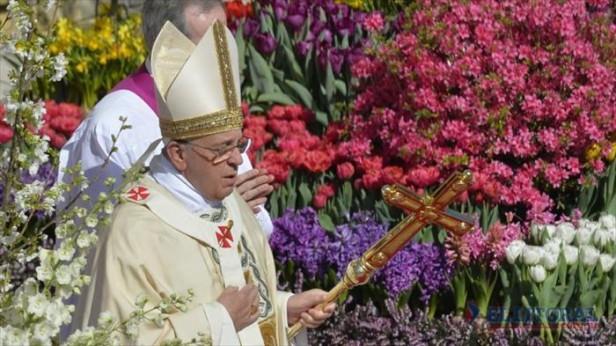 Francisco pidió por la paz y el fin