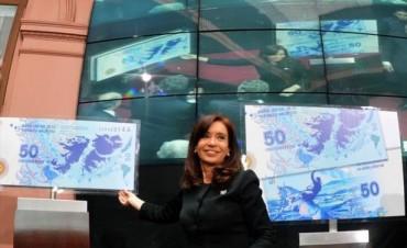 Presentaron un nuevo billete de 50 pesos con el contorno de las Malvinas