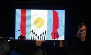 Proponen añadir la cruz en la bandera capitalina elegida