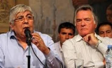 Moyano se desentendió de los piquetes y Barrionuevo criticó al sector político