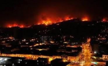 Chile: elevan a 16 los muertos tras voraz incendio en Valparaíso