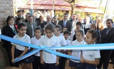 Virasoro: Colombi encabezó la inauguración de dos escuelas