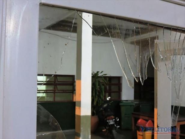 Preocupación porque un paciente agredió al personal y provocó destrozos en el hospital