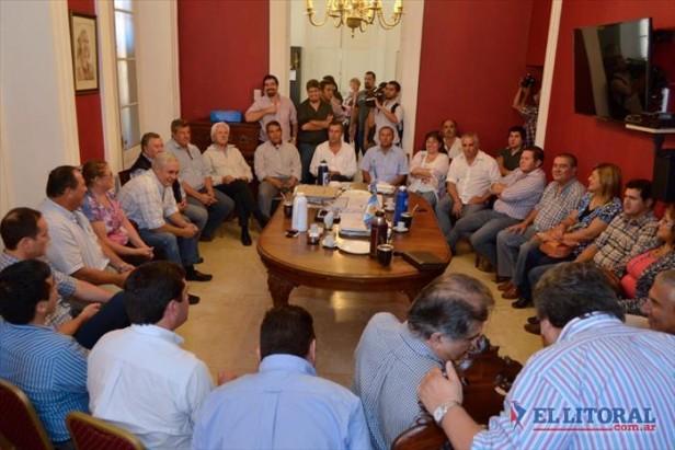 Elecciones: Capital y otras once comunas ya adhirieron al decreto del 5 de julio