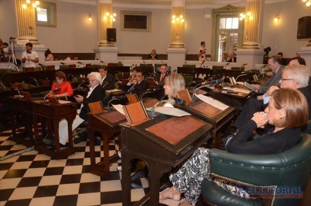 Senado aprobó pliegos judiciales y exhortó por la construcción de autovía