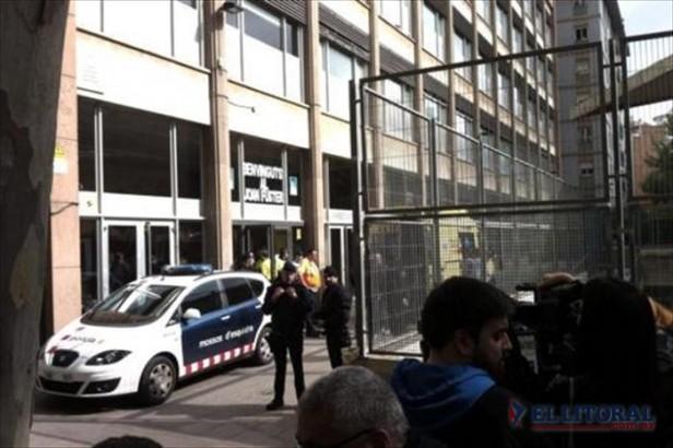 En España un adolescente mató a un profesor con una ballesta