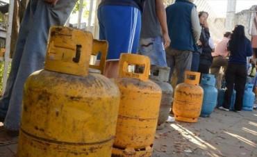 Plan Hogar: Nación controla la garrafa a $97 en distribuidoras pero no en kioscos