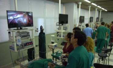 Con la última tecnología, la Unne avanza en la especialización en laparoscopías