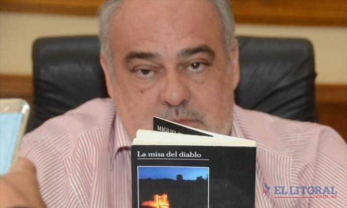 El Gobernador, la Virgen y el Papa peronista