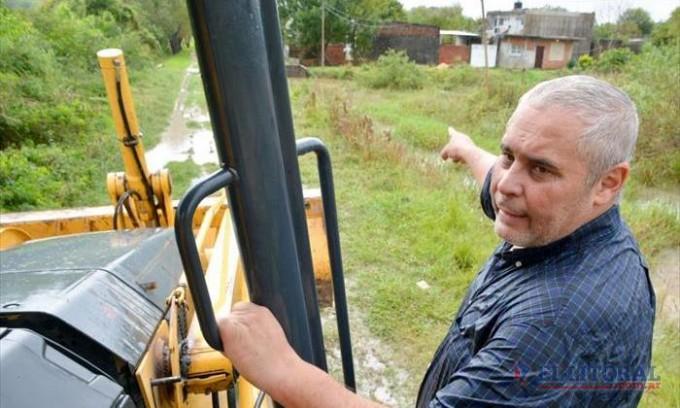 Contrapunto de campaña: inundaciones, acusaciones cruzadas y más promesas