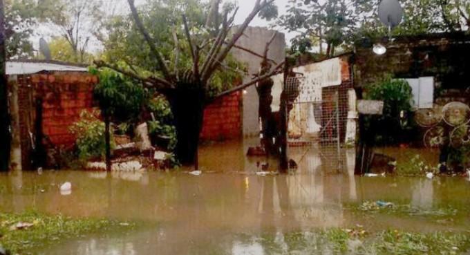 Casi 300 familias fueron evacuadas en toda la Capital