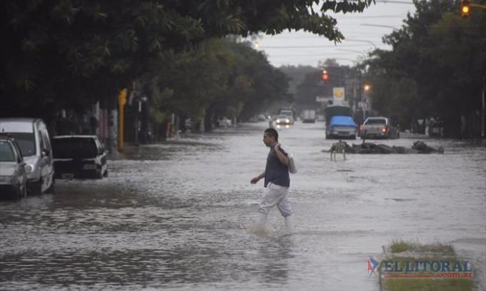 Con más de 200 milímetros de lluvia, en dos días la ciudad se vio colapsada