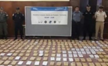 Descargaban casi 700 kg de marihuana en la costa cuando llegó Prefectura